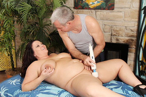 Chubby mom has a pussy massage
